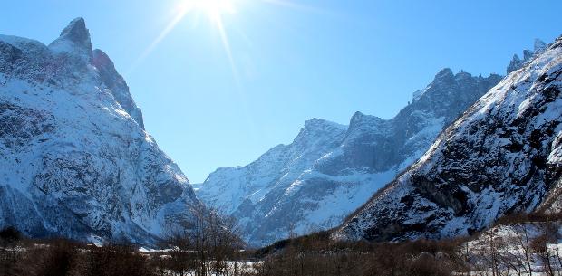 Romsdalshorn og tindene på toppen av Trollveggen